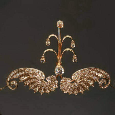 Victorian tiara in red gold with rose cut diamonds can be worn as brooch