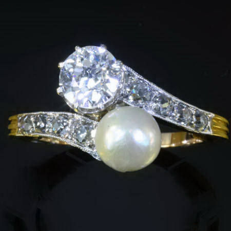 Big old cut diamond toi and moi engagement ring late Victorian early Art Nouveau