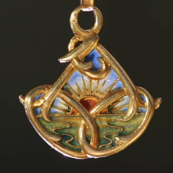 French gold Art Nouveau pendant with plique a jour enamel (emaille a fenêtre)