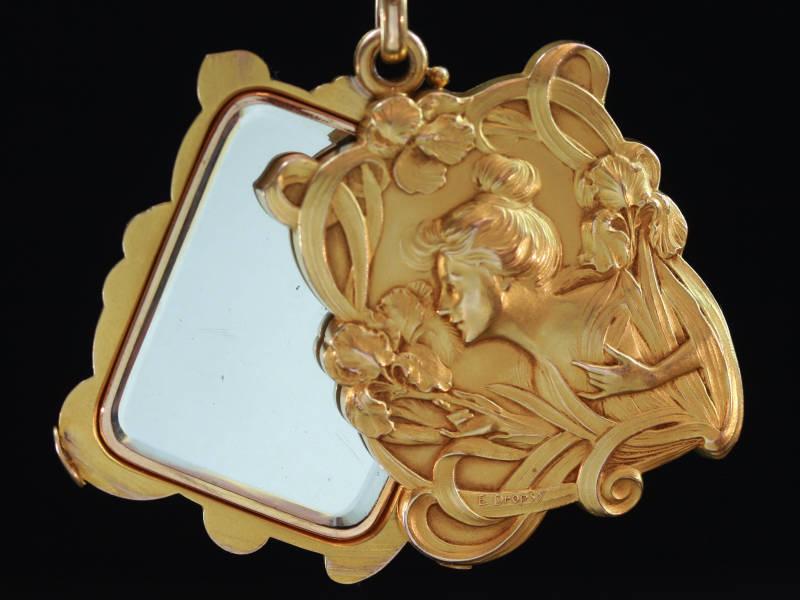 Magnificent Art Nouveau pendant signed E.Dropsy with sliding mirrors