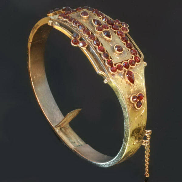 Silver gilded bohemian garnets bangle with hidden place