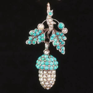 Antique jewelry with color blue up to $1,500