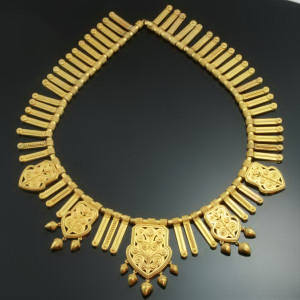 Antique Victorian jewelry above $10000