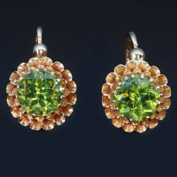 Antique jewelry with color green up to $2,000