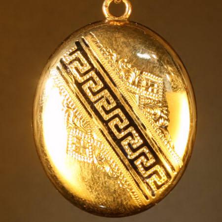 Antique pendants under $700