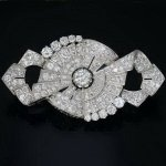 Platinum Art Deco brooch 11.50 carat diamonds from the antique jewelry collection of www.adin.be