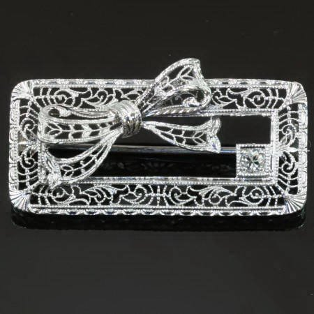 Antique brooches under $1000