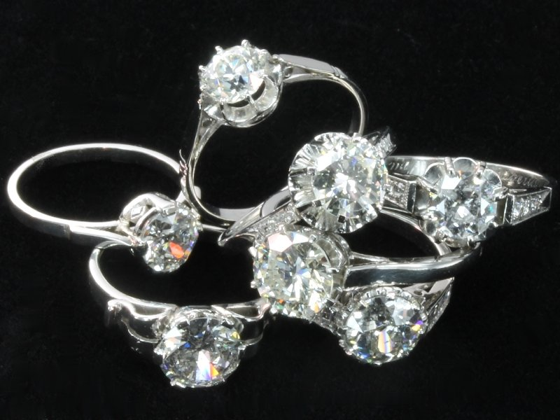 Collection of antique and estate one-stone engagement rings from the antique jewelry collection of www.adin.be