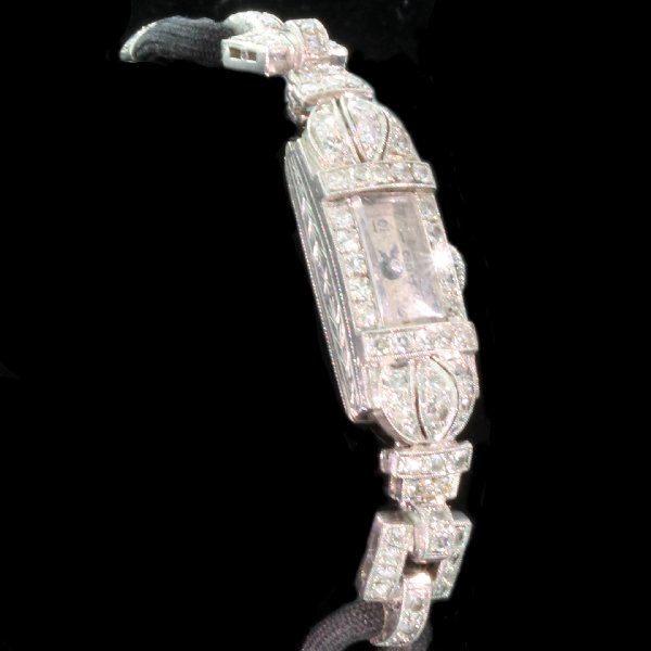 Antique jewelry between $1000 and $2500