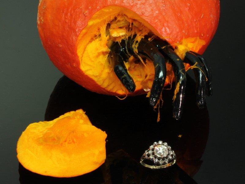 Original Dutch antique ring with Amsterdam rose cut diamond