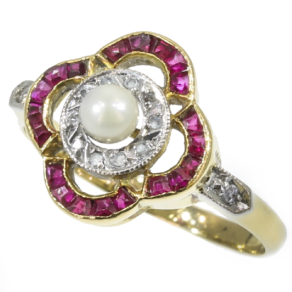 Most charming Art Deco ring with rubies diamonds and a pearl