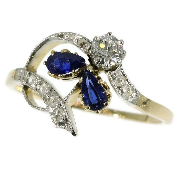 Belle Epoque diamond and sapphire engagement ring