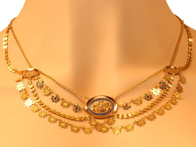 Click the picture to get to see this French antique gold necklace with enamel so-called collier d'esclave