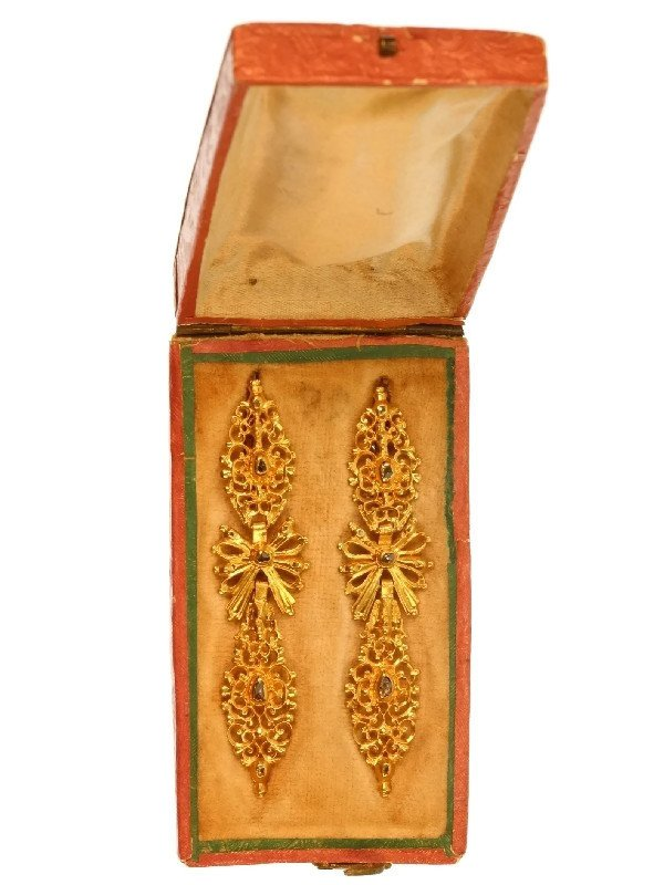 Click the picture to get to this Antique Portuguese long pendent earrings with rose cut diamonds high carat gold