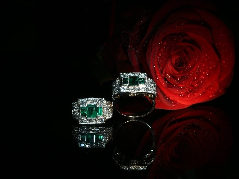 Click the picture to get to see this Unique ring pair of a Platinum Estate original with emeralds and its dummy model.