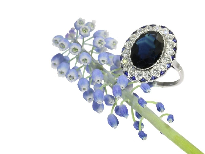Click the picture to get to see the ultimate Art Deco diamond and sapphire engagement ring model Lady Di.