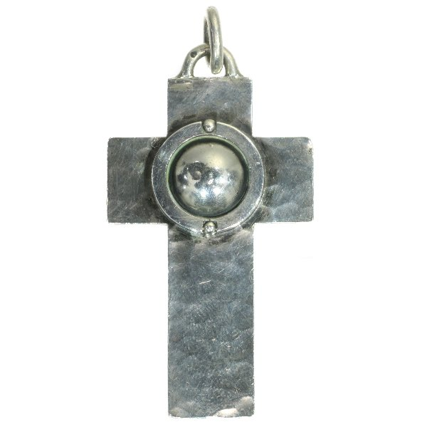 Click the picture to get to see this French designer Jean Després signed silver cross.