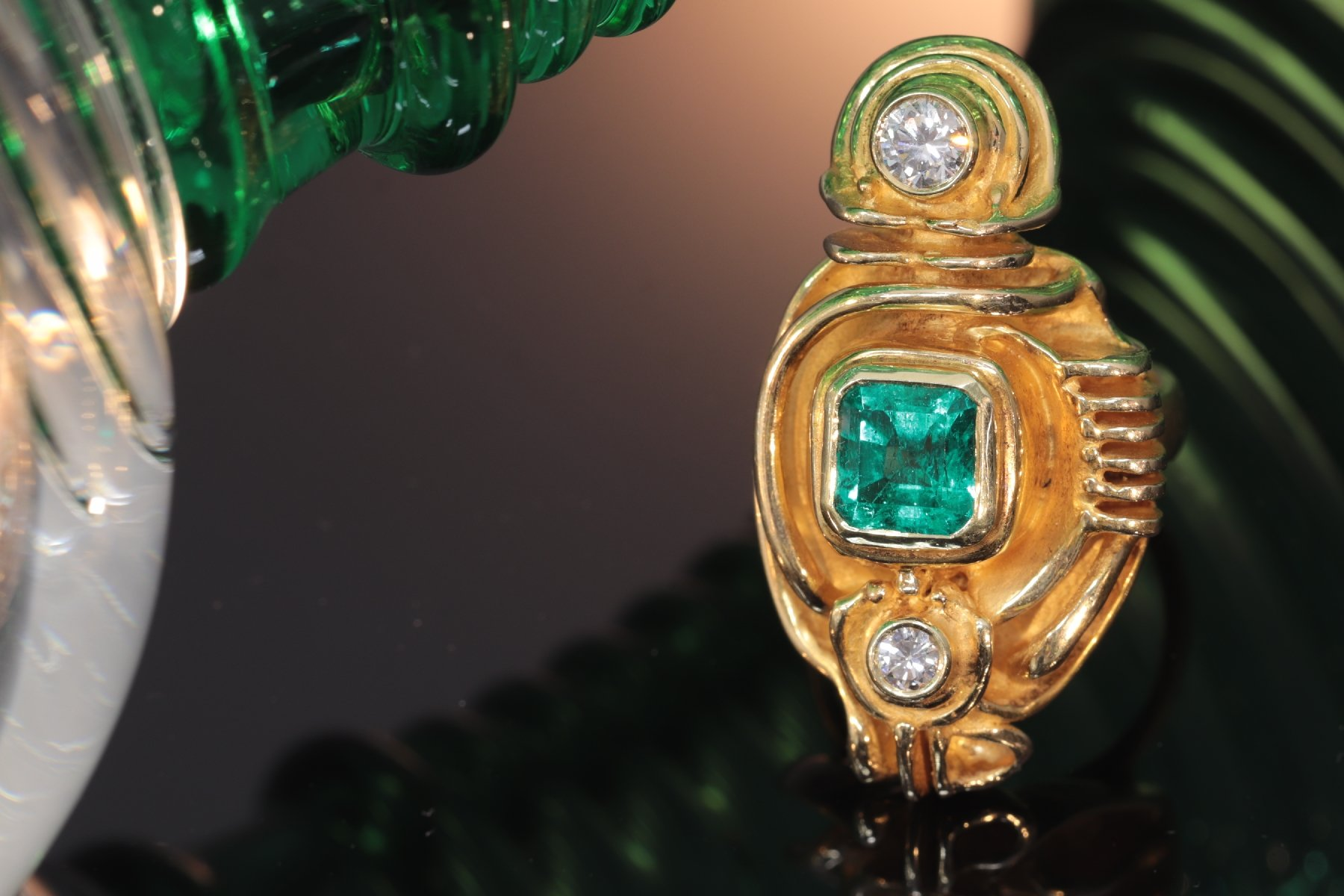 Click the picture to get to see this Artist jewellery gold ring by Demaret with diamonds and emerald.