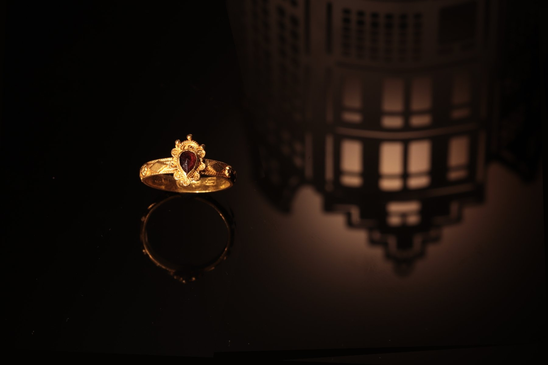 Click the picture to get to see this Late Baroque gold garnet ring hallmarked Amsterdam 1692.