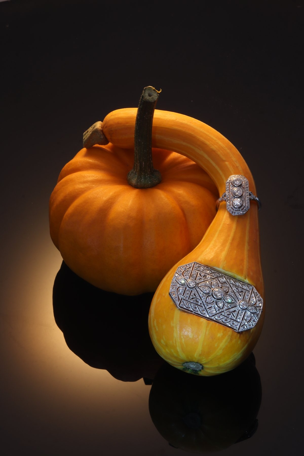 Click the picture to see all our original Vintage Art Deco jewellery